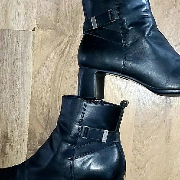 FANTASIES..Vintage Boots ..♣️
